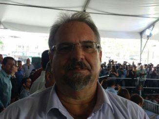 Foto: Divulgação. Galo participou, ao lado do governador Rui Costa, da solenidade que autorizou duplicação da BR 415.